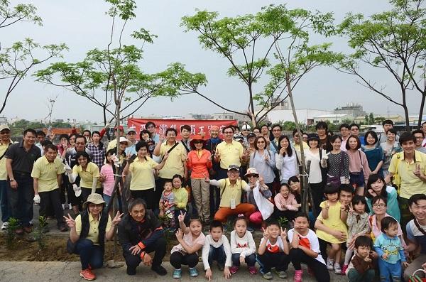 Ta Ya Group Gathered on Family Day for Orange Jasmine Plantation and Ride Through Shanhaizhen Trail