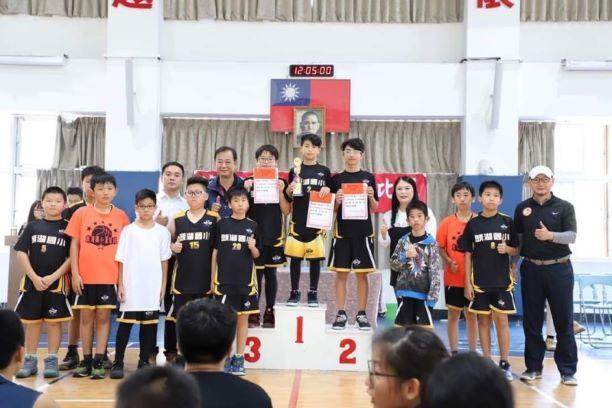 聯友機電贊助 頭湖國小籃球隊出征獲佳績